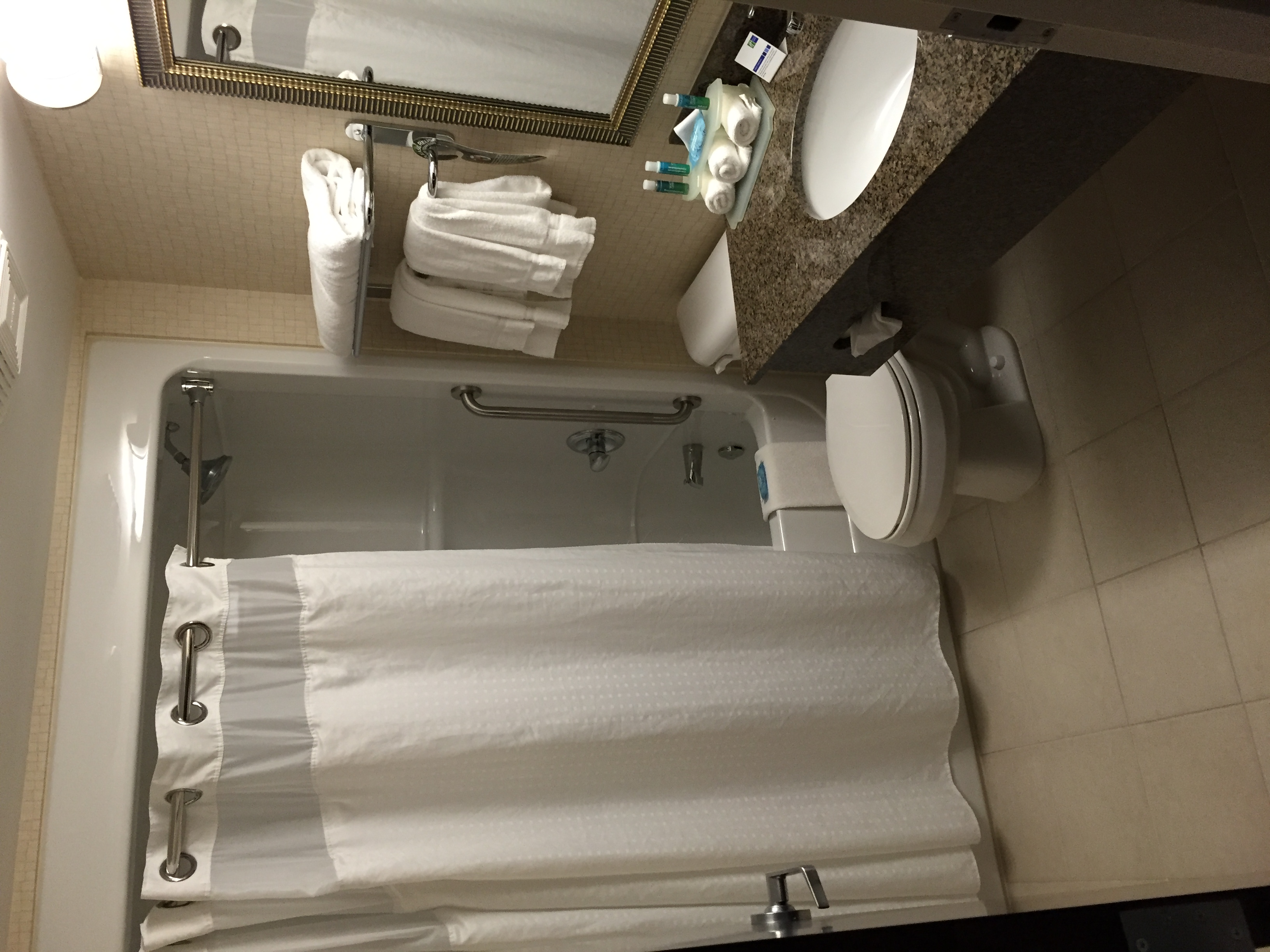 Holiday Inn Express & Suites Kincardine reviews, opinions and consumer feedback